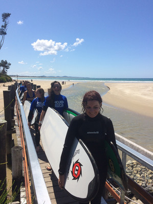 learn to surf surf camp cairns