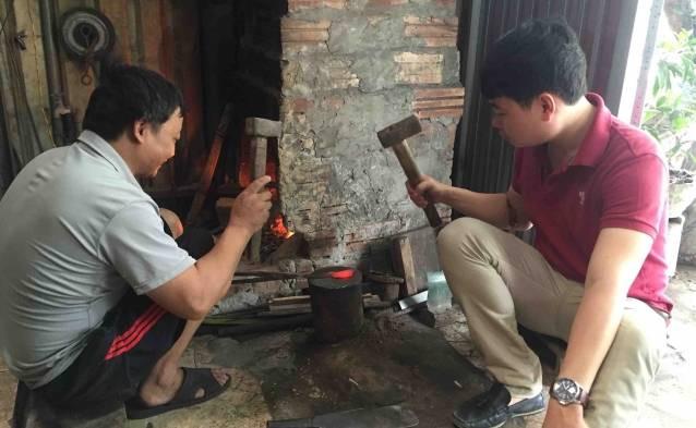 Vietnam knife making class tours discount