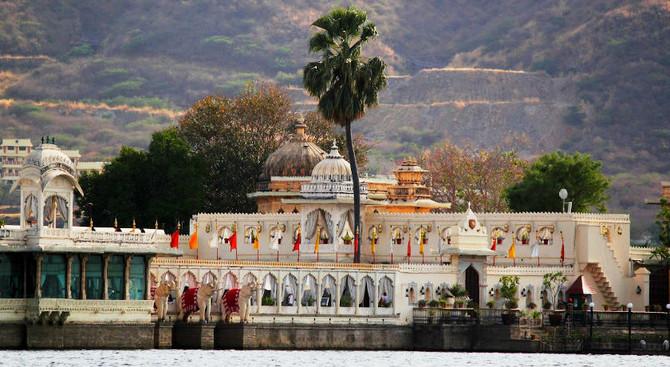 Udaipur - Rajasthan with Taj Mahal Tour