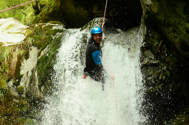mount aspiring canyoning new zealand