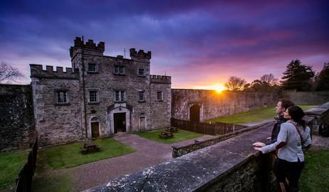 Cork, Blarney Castle, Cobh and Titanic Story Rail Tour From Dublin