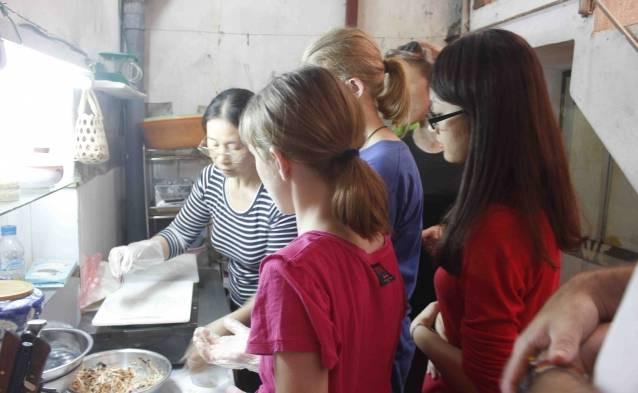 vietnam street food cooking tours