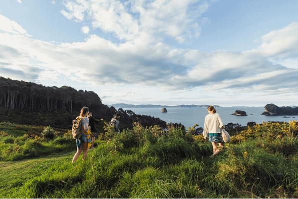 Kiwi Experience bus tour adventure