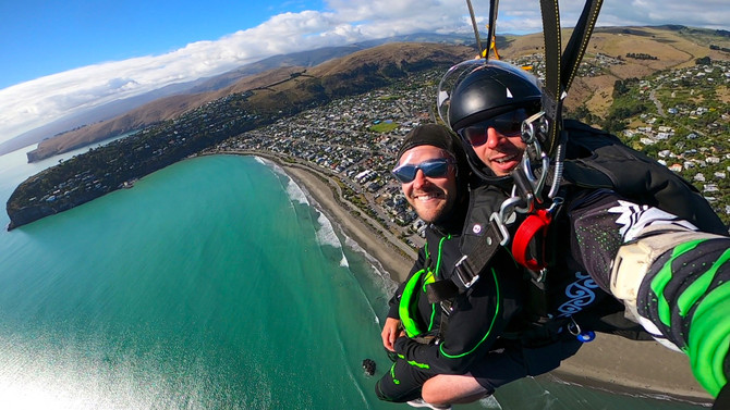Scenic skydiving
