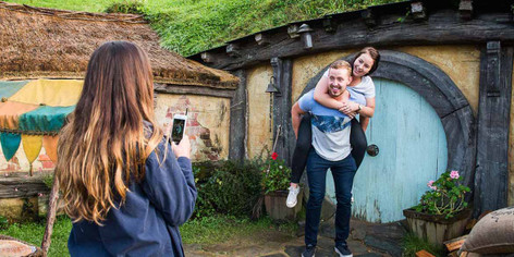Auckland - Hobbiton and Waitomo Day Tour