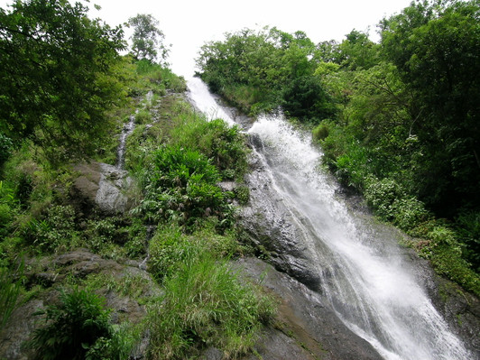 costa-rica-waterfalls