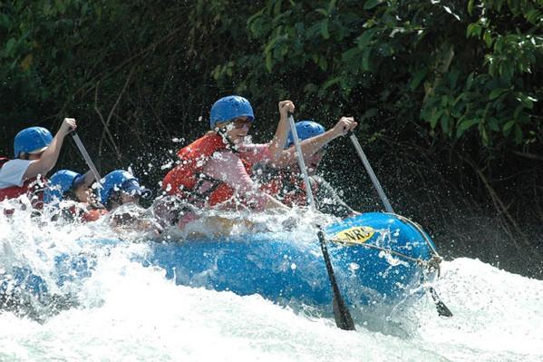 white-water-rafting-savegre