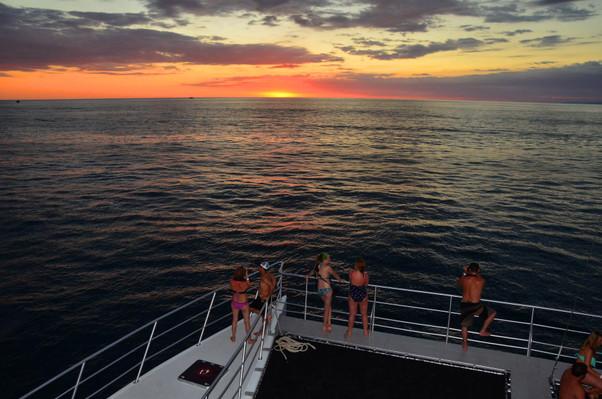 Sunset-catamaran-tour