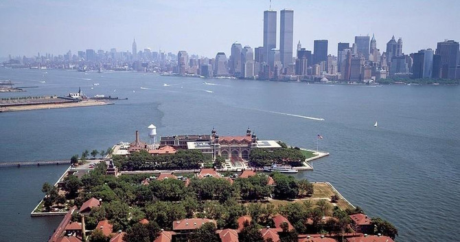 Fully Guided Statue Of Liberty, Ellis Island, Ground Zero & 9/11 Memorial Tour Deals