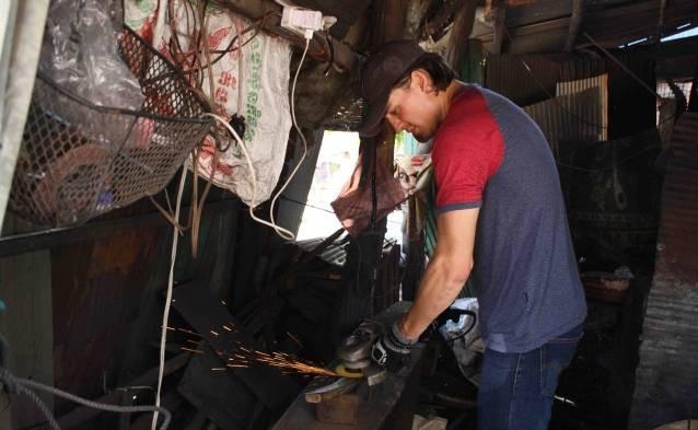 cambodian blacksmith weapon creation