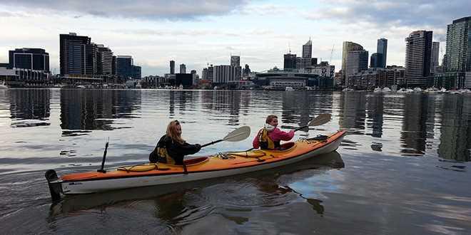 moonlight-kayak-melbourne-australia