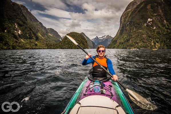 fiordland kayaking new zealand