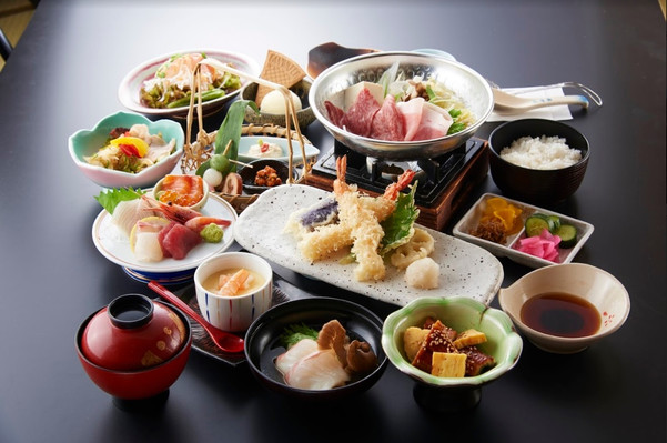Japanese Food and Tea Tour in Kyoto