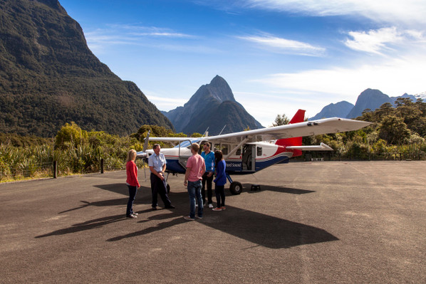 Fly cruise fly milford sound1