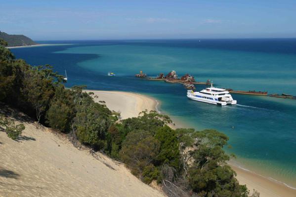 moreton island multiday tour