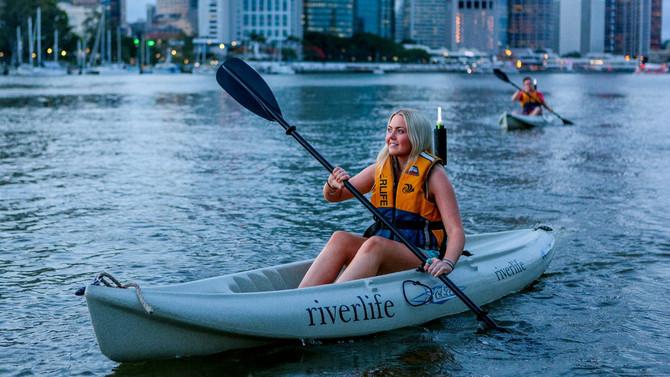 Brisbane City Twilight Kayak Adventure with Wine & Grazing Board