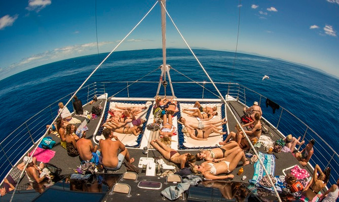 passions-of-paradise-boat