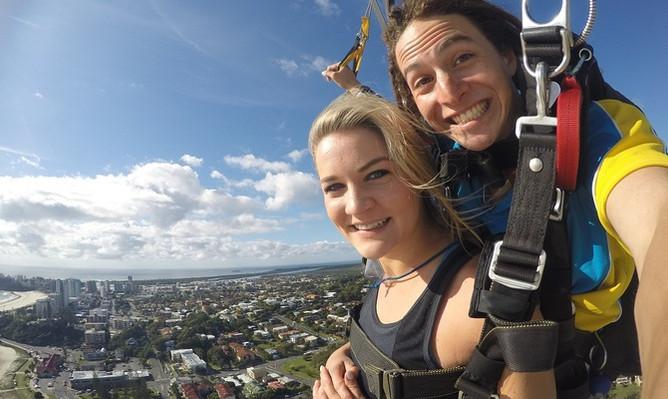 gold-coast-skydive-parachute