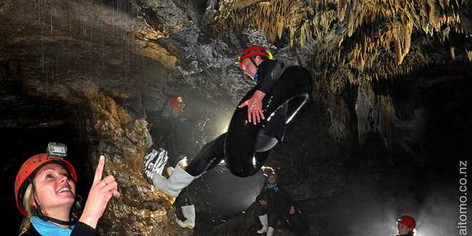 Blackwater Rafting TumuTumu Toobing at Waitomo Caves