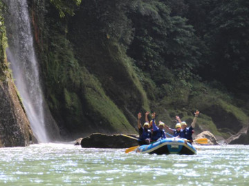 Whitewater Rafting Adventure Pacuare River from San José