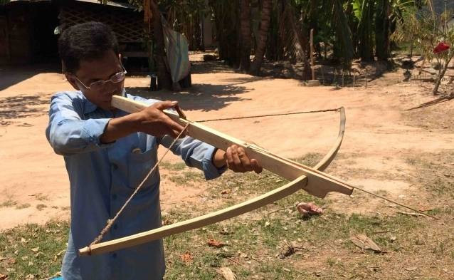 cambodian hunting crossbow