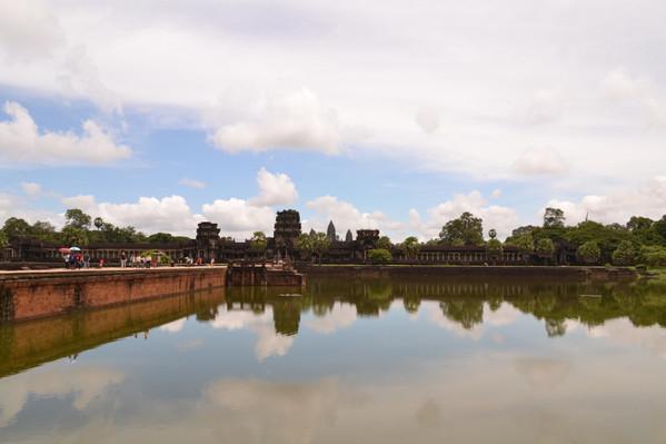 Angkor Wat tour deals