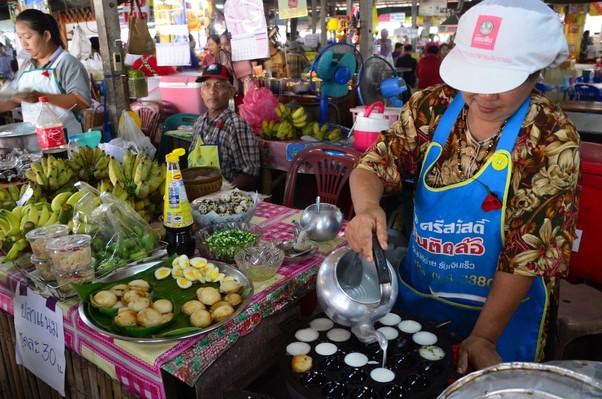 Bangkok floating market tour deals