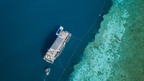 Reefsleep - Great Barrier Reef and Whitsundays 2 Days 1 Night Sailing Tour