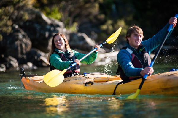 lake wanaka kayak tour