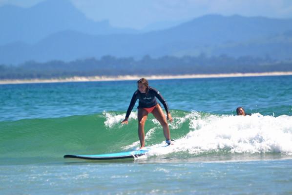 surf lessons byron bay cheap
