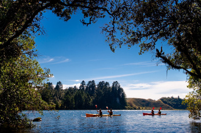 Lake Rotoiti Kayak Tour including Hot Springs and Glow Worms - 3 Hours