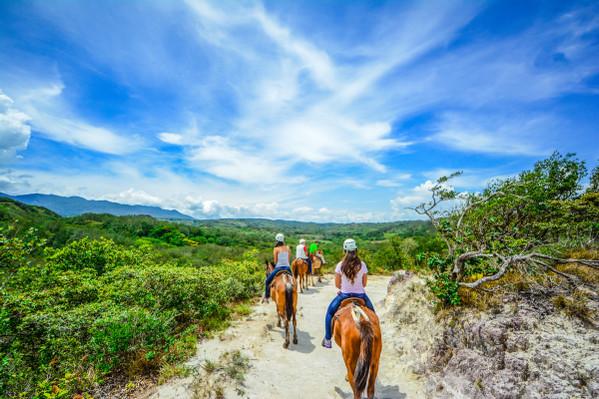 horseback-riding-rincon-de-la-vieja