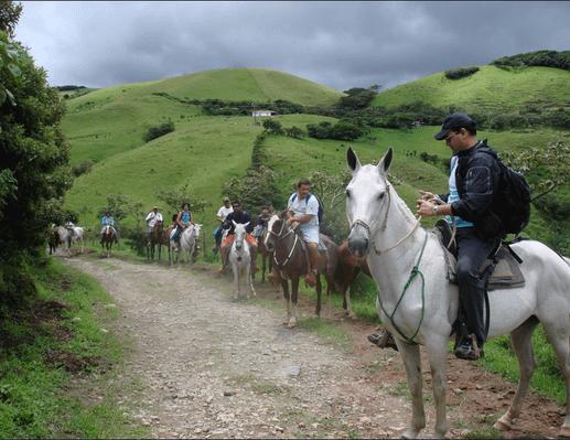 horse-back-riding-guanacaste