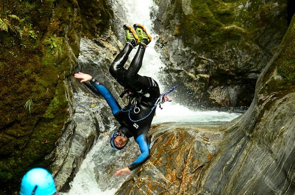explore mount aspiring canyon