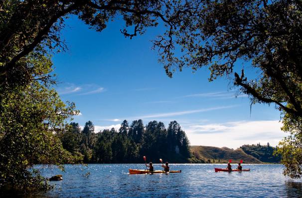kayak lake rotoiti tour