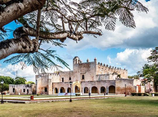 Tour to Valladolid, cenote and Chichen Itza