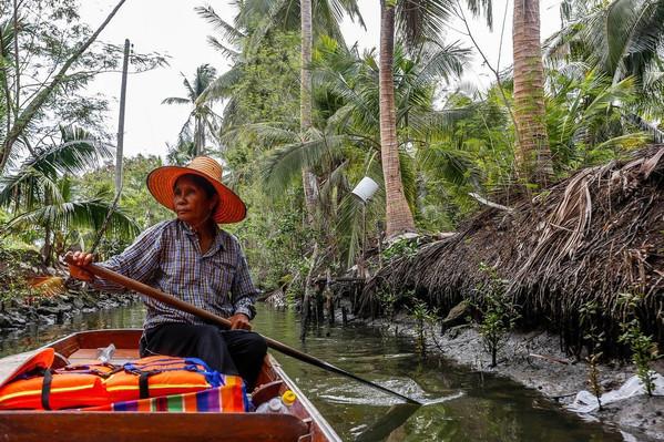 maeklong river tour