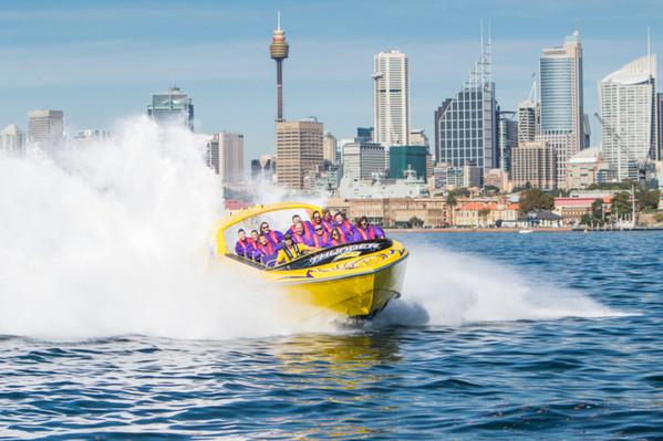 Sydney-Harbour-boat-toar