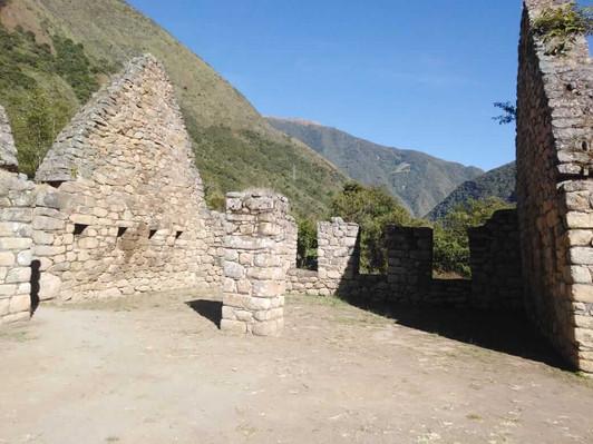 2 DAY INCA TRAIL TREK TO MACHU PICCHU 8
