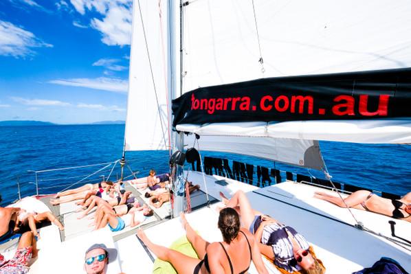 deal whitsundays cruise
