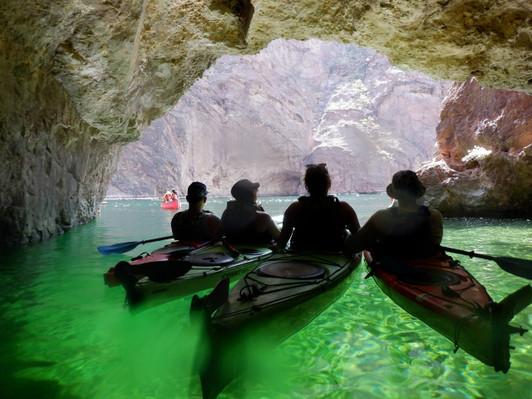 Kayak tour Emerald Cave