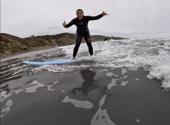 Raglan surf lessons discount