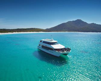 Wineglass Bay Cruise - Vista Lounge Access