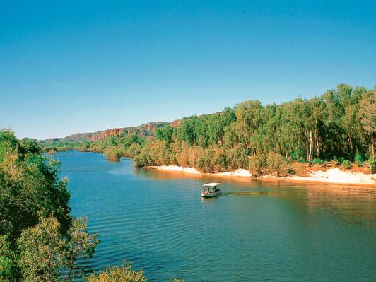 2D Kakadu & East Alligator River Tour