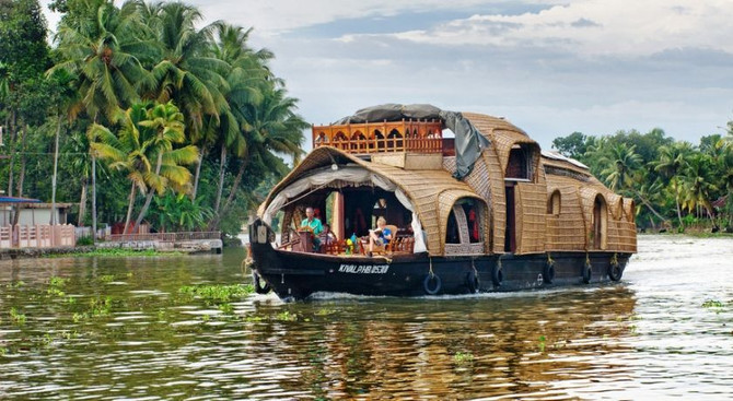 Alleppey - Discover North & South India