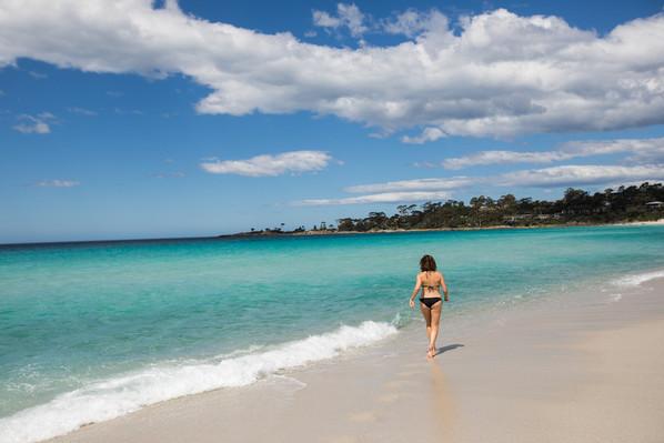 tasmania tour beach walk.jpg
