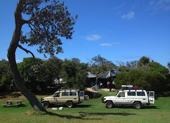 dilli-village-camp-cars.jpg