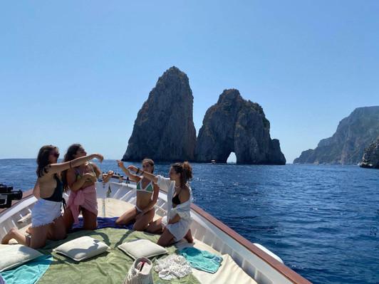 Boat experience in Capri