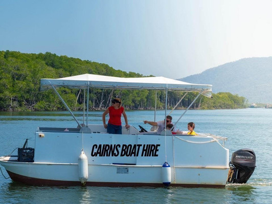 rent a boat in cairns