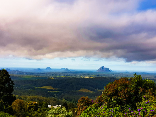Glasshouse-Mountains-Lookout